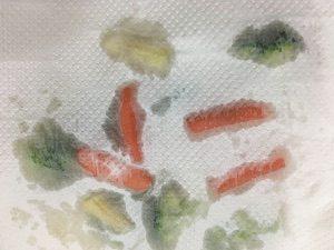 野菜もキッチンペーパーで残った水分を吸い取っておく